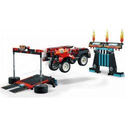 Конструктор LEGO Technic Шоу трюков на грузовиках и мотоциклах 610 деталей (42106) - Картинка 3